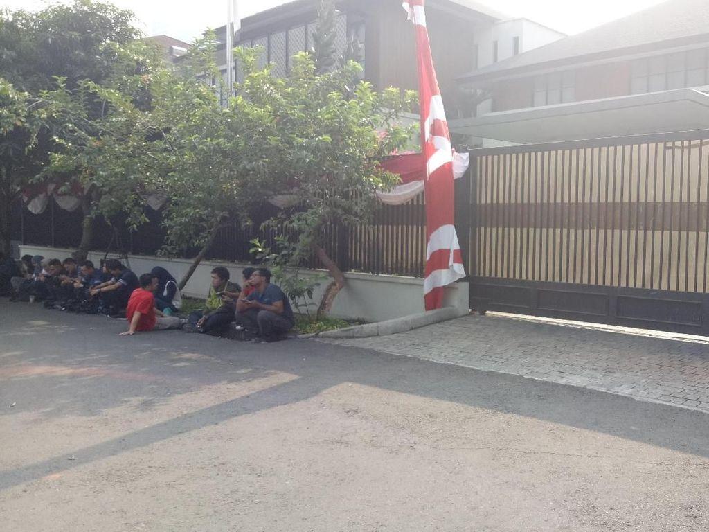 Majelis Tinggi PD Selesai Bersidang, Mobil SBY Tiba di Rumahnya