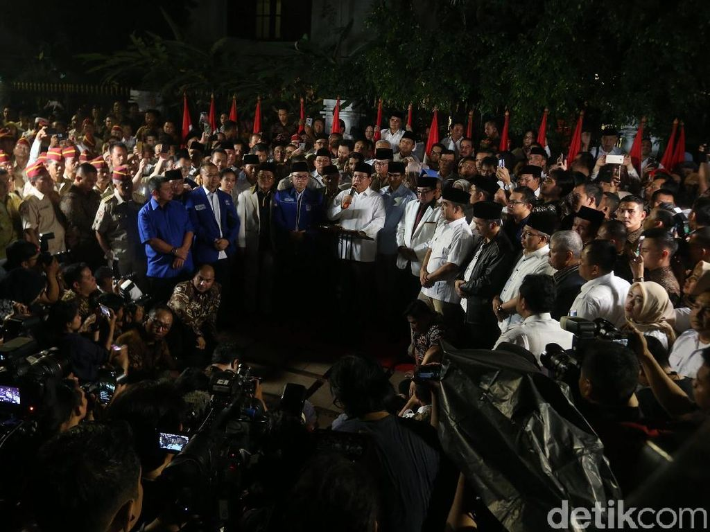 Timses Prabowo Dibilang Mirip Sirkus, PD: Kami Pasukan Tempur!