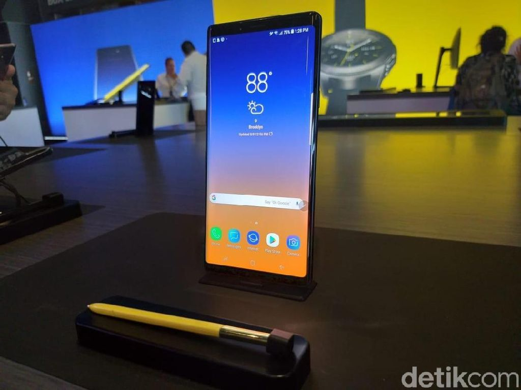 Samsung: Baterai Note 9  Lebih Besar dan Aman