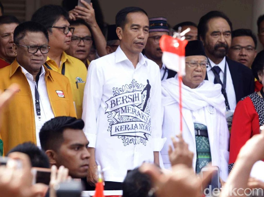 Bersih, Merakyat, Kerja Nyata di Dada Jokowi