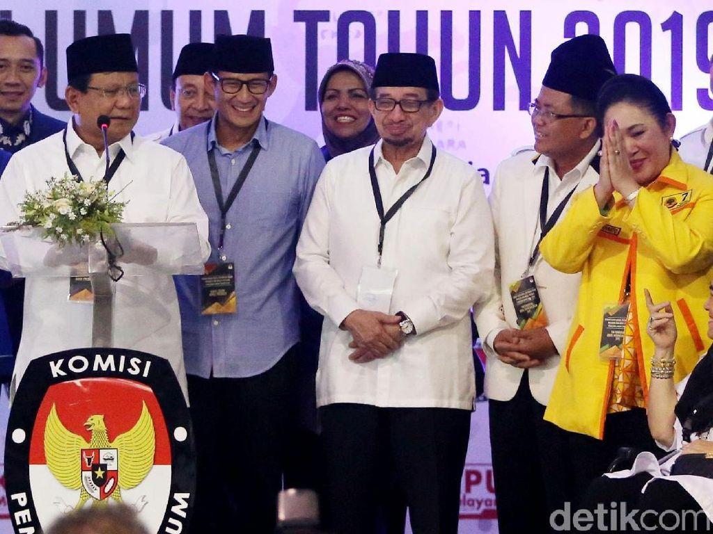Tak Berhenti di KPU, Kebersamaan Prabowo-Titiek Lanjut ke Kertanegara