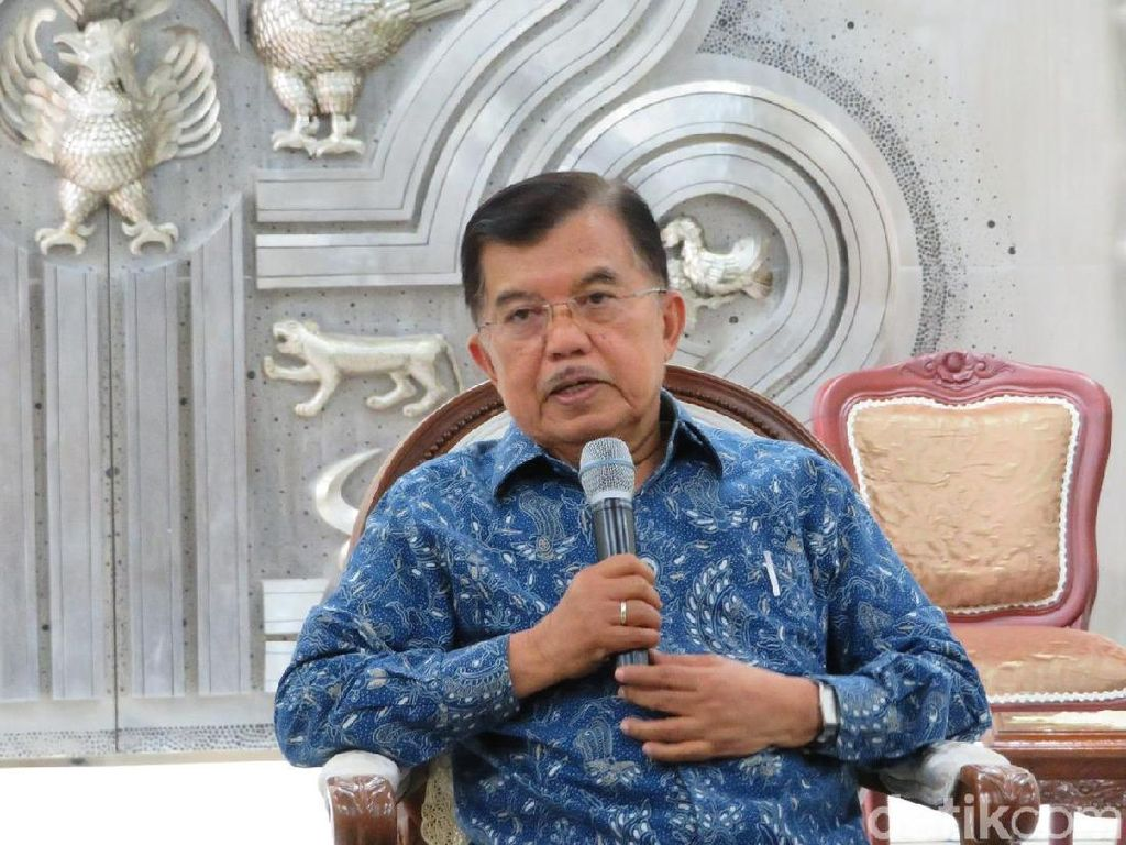 Hasto Jelaskan Timses Jokowi-Maruf ke JK di Rumah Mega