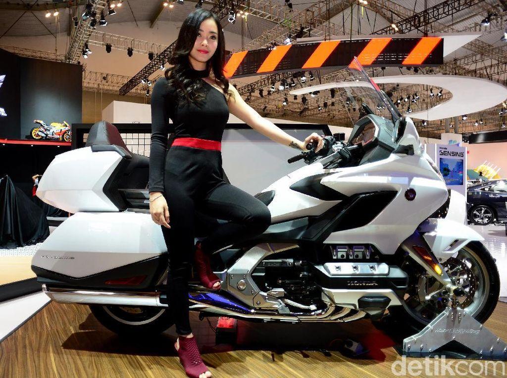Gadis Honda ini Bikin Gagal fokus
