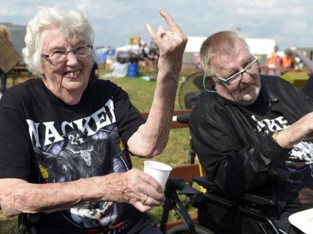 Penggemar Musik Metal Disebut Lebih Bahagia