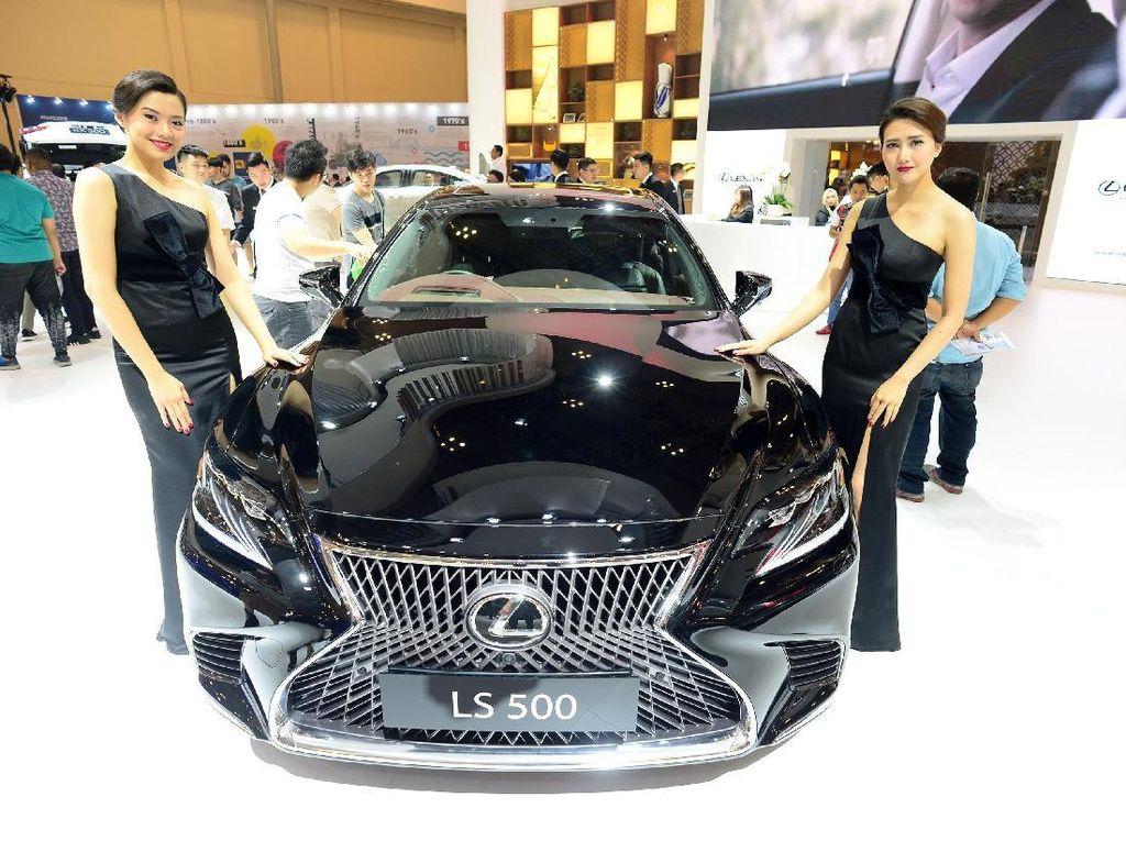 Maaf, Lexus saat Ini Cuma Diproduksi di Jepang
