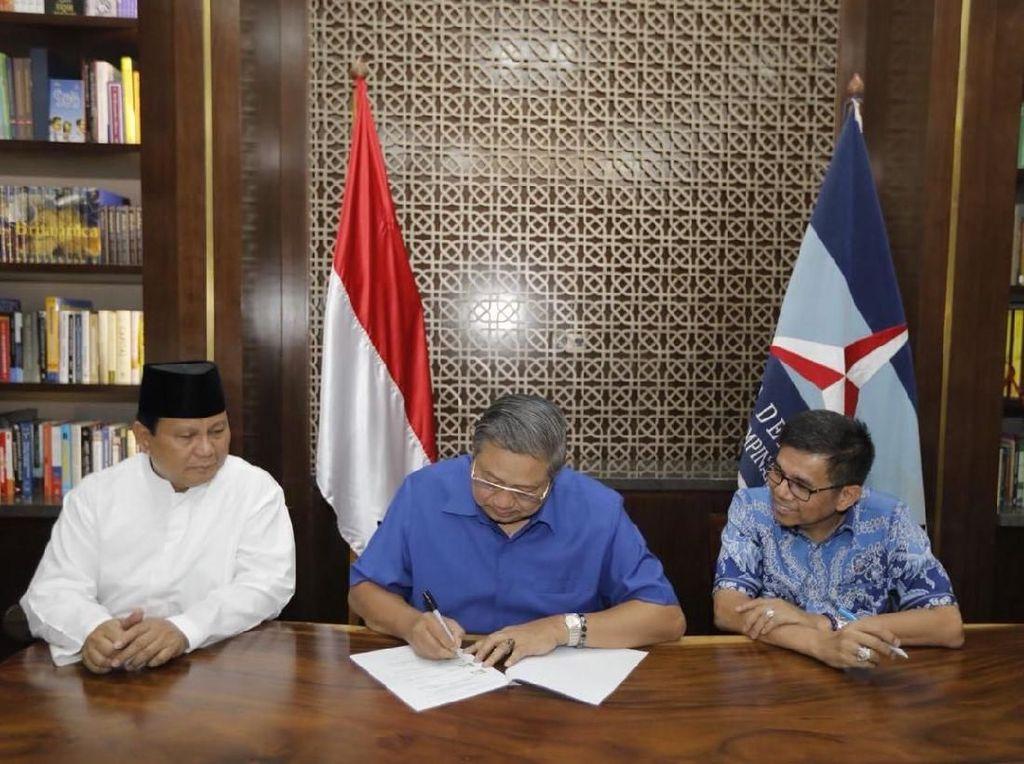 Detik-detik SBY Teken Dokumen Usung Prabowo-Sandiaga