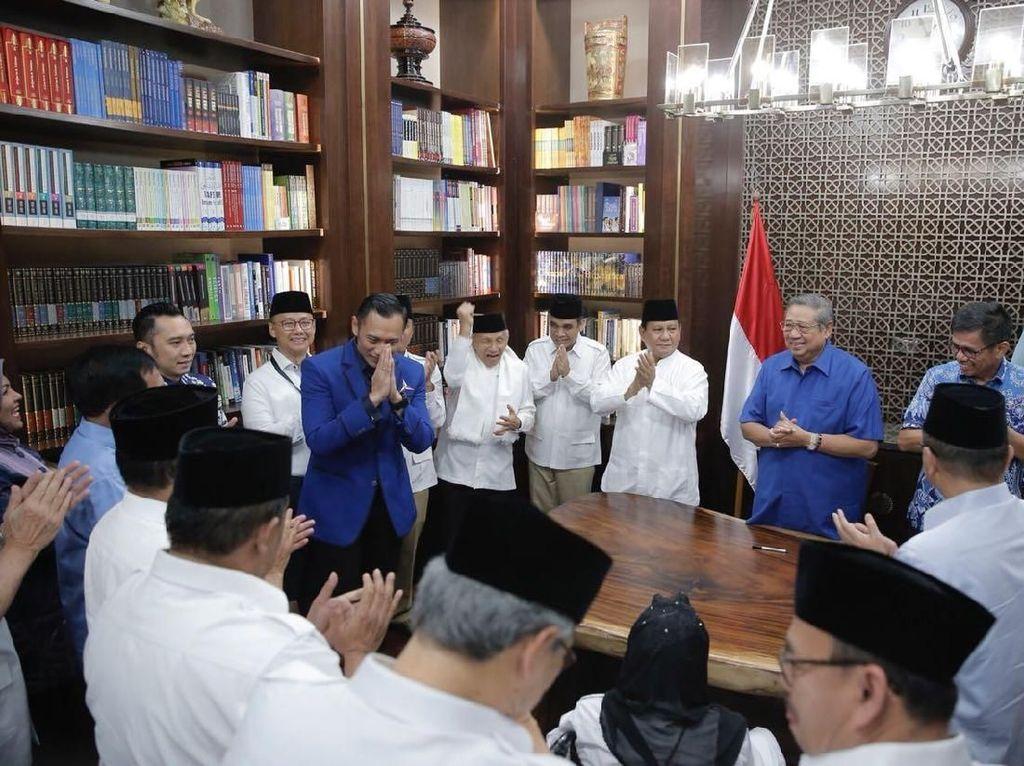 Momen Prabowo hingga Amien Rais Ucapkan Selamat Ultah ke AHY