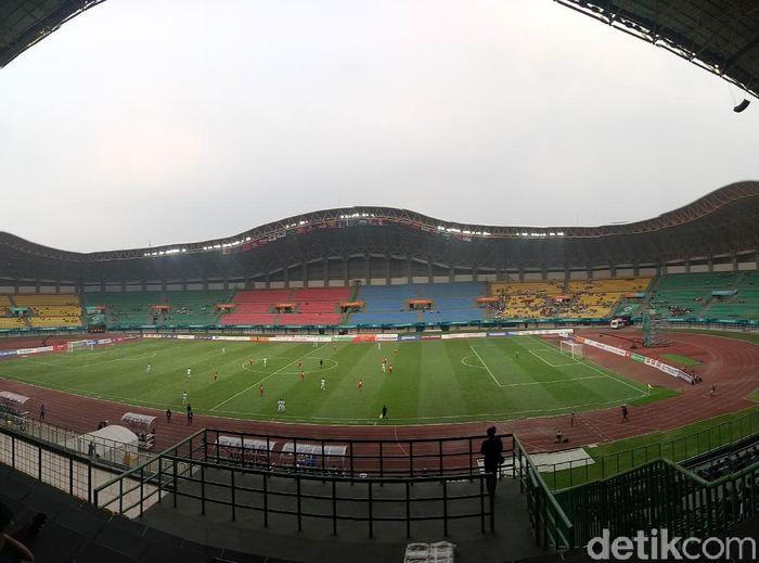 Stadion Patriot Candrabhaga masih sepi penonton di pertandingan pertama Asian Games 2018 (Randy Prasatya/detikSport)