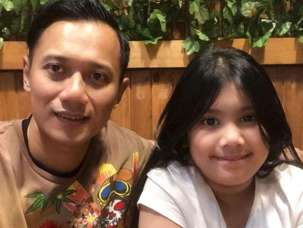 Momen Haru Saat Agus Yudhoyono Pamit Pergi Haji ke Putrinya
