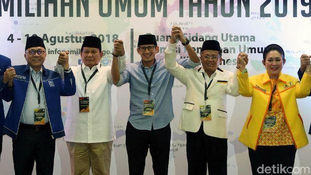 Prabowo-Sandi mendaftar ke KPU.