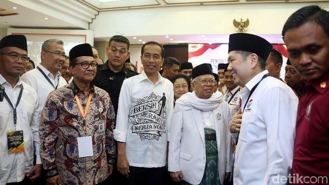 Tentang Kemeja Capres 'Bersih, Merakyat, Kerja Nyata' Jokowi