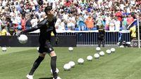 Diserang Fans Chelsea, Courtois Hapus Surat Perpisahan di Media Sosialnya