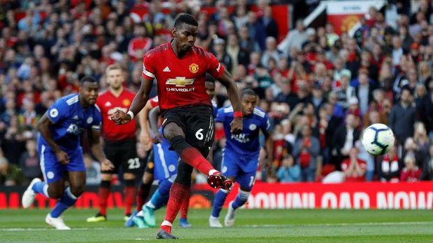 Paul Pogba mencetak gol yang menjadi pembeda dalam laga babak pertama antara Manchester United dan Leicester City.