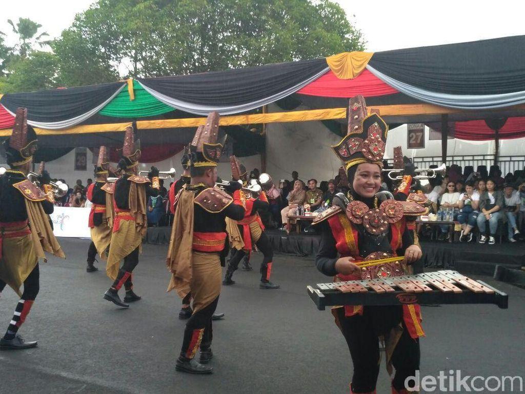Parade Busana Jember Fashion Festival Makin Menarik Nih!