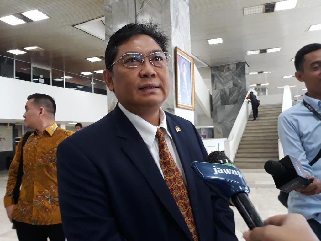 Sempat Absen, Wakil Ketua DPR Utut Adianto Penuhi Panggilan KPK