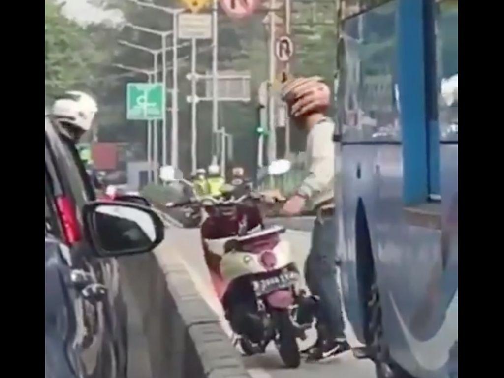 Video Contoh Habis Manis Sepah Dibuang di Jalur TransJ