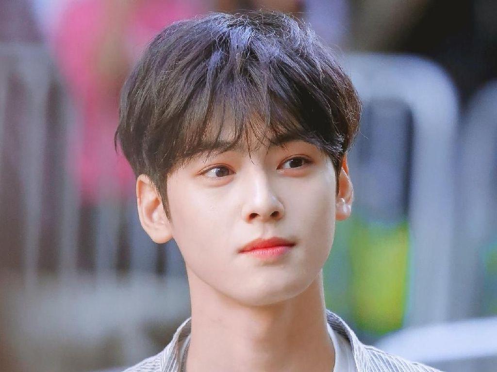 Sering Dipuji Ganteng Tak Wajar, Cha Eun Woo Disoroti Karena Jerawatan