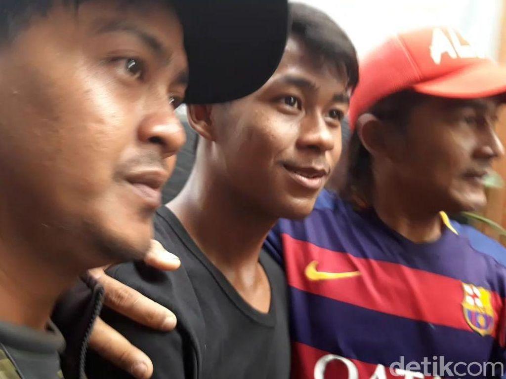 Pulang ke Rumah, Supriadi Pemain Timnas U-16 Diserbu Fans