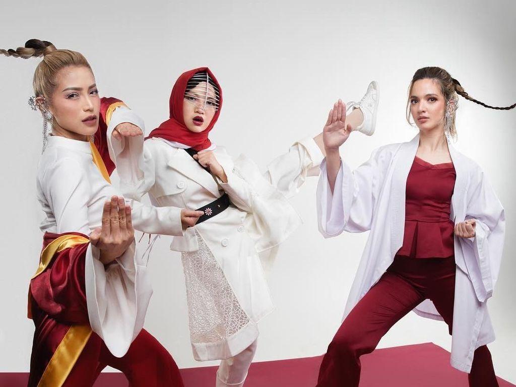 Foto: Gaya Girl Squad Nia Ramadhani Rayakan Asian Games dengan Glamor