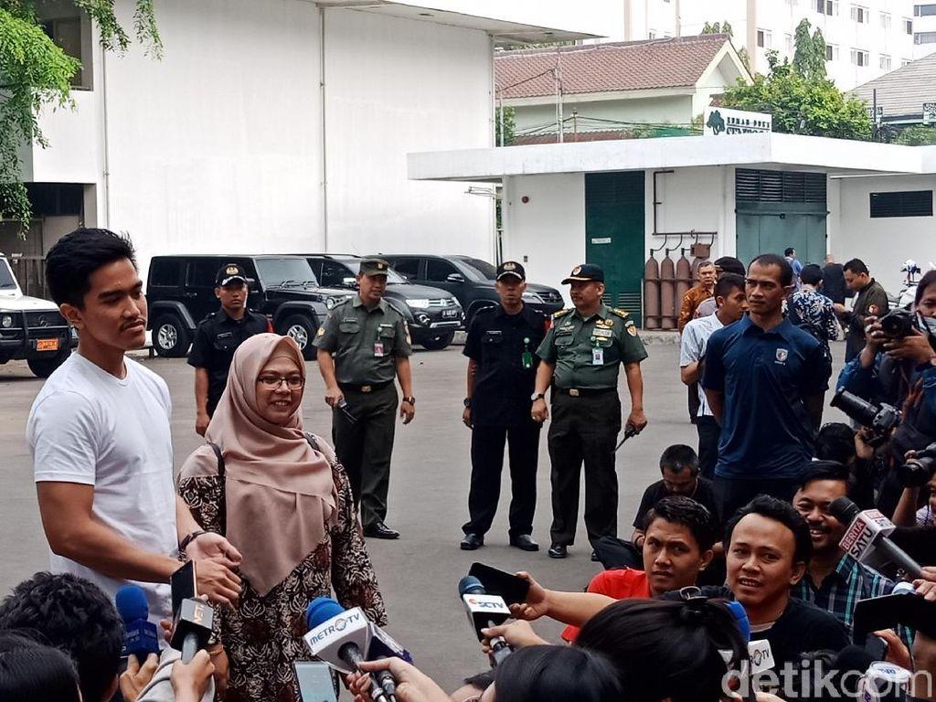 Ini Kata Kaesang Soal Baju Bersih-Merakyat-Kerja Nyata Jokowi