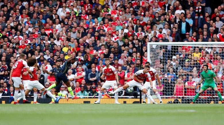 Manchester City Permalukan Arsenal