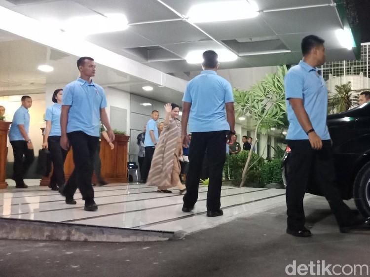 Senyum Iriana Usai Temani Jokowi Tes Kesehatan Hampir 11 Jam