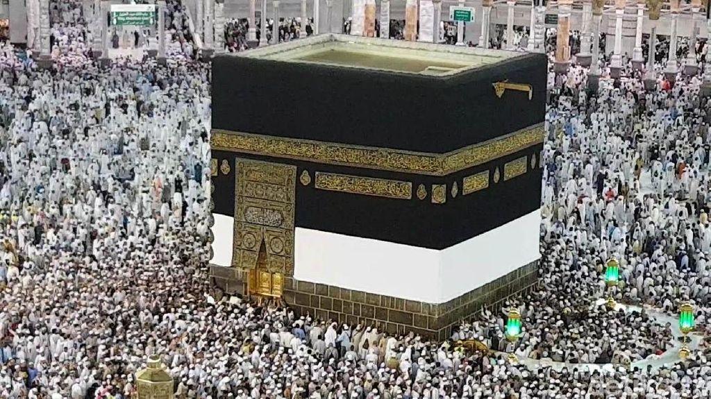 Mekah Penuh Sesak, Jemaah Diminta Tak Jumatan Dulu di Masjidil Haram
