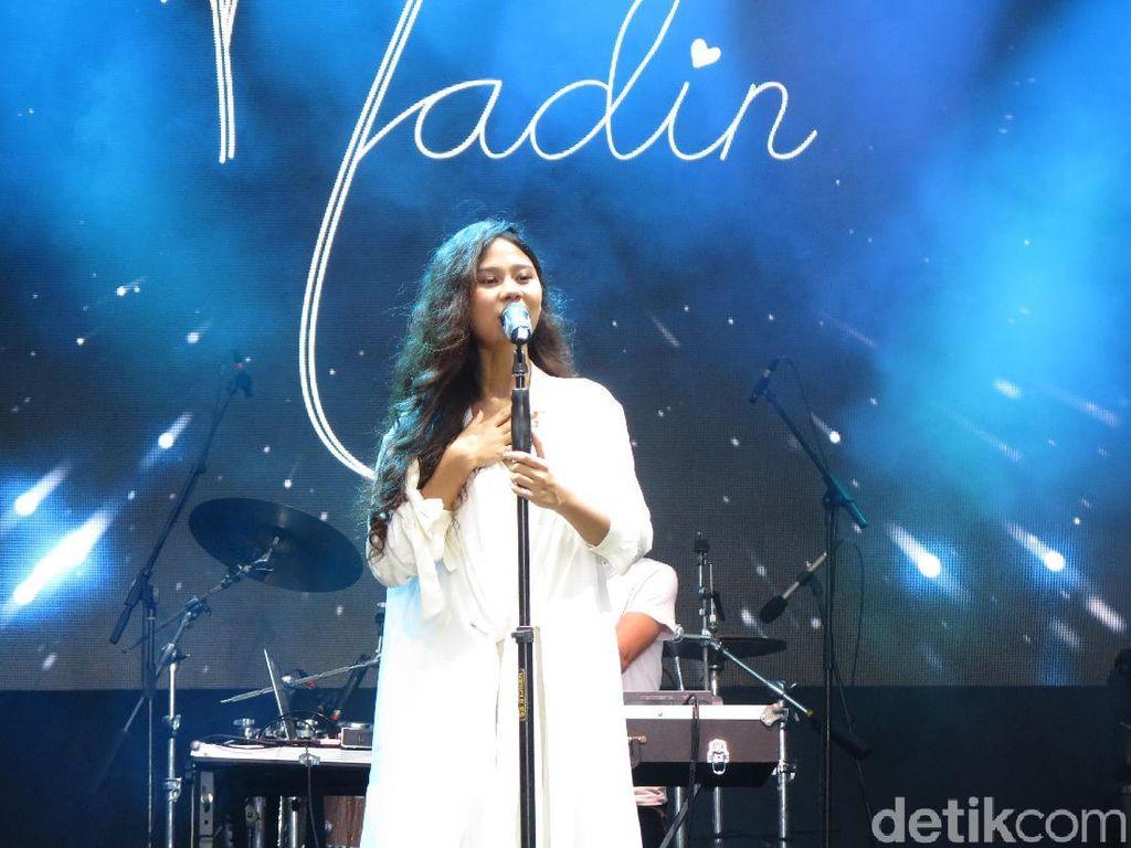 Nadin Bawakan Lagu Baru di On Off Festival 2018