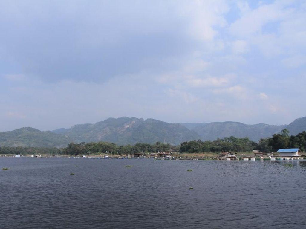 Foto: Tempat yang Indah di Bandung Barat, Bukan Cuma Lembang