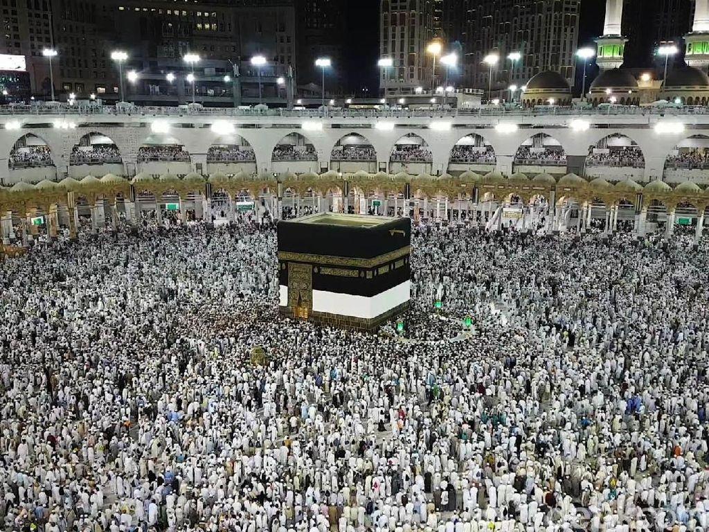 Raja Salman Keluarkan Dekrit Pembukaan Kembali Pelataran Tawaf Masjidil Haram