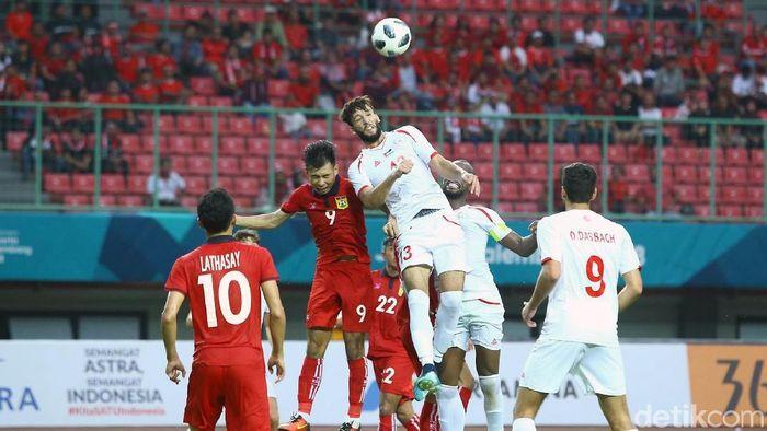 Timnas Palestina di laga melawan Palestina di Asian Games 2018. (Foto: Grandyos Zafna/detikCom)