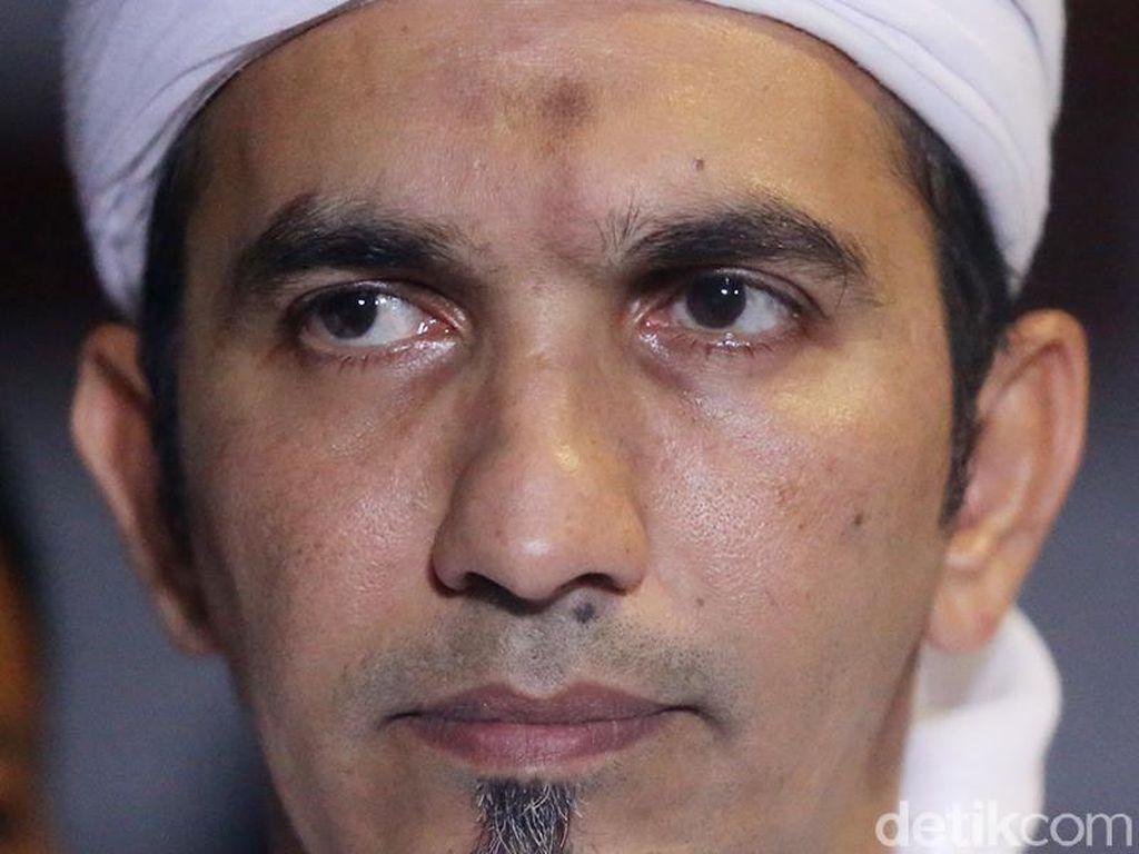 Polisi Sebut Ketum FPI Terlapor di Dugaan Makar Bersama Eggi Sudjana
