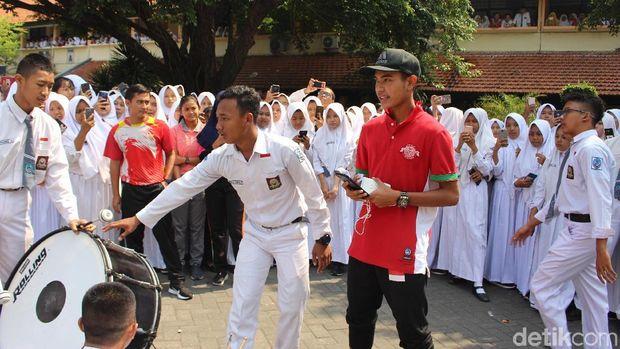 Usai Juara Piala AFF U-16, Brylian Lepas Rindu dengan Teman Sekolah