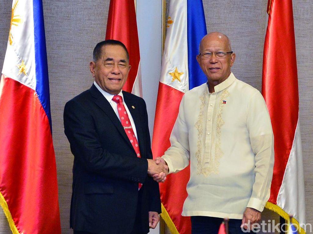 Menhan Ryamizard Kunjungi Menhan Filipina