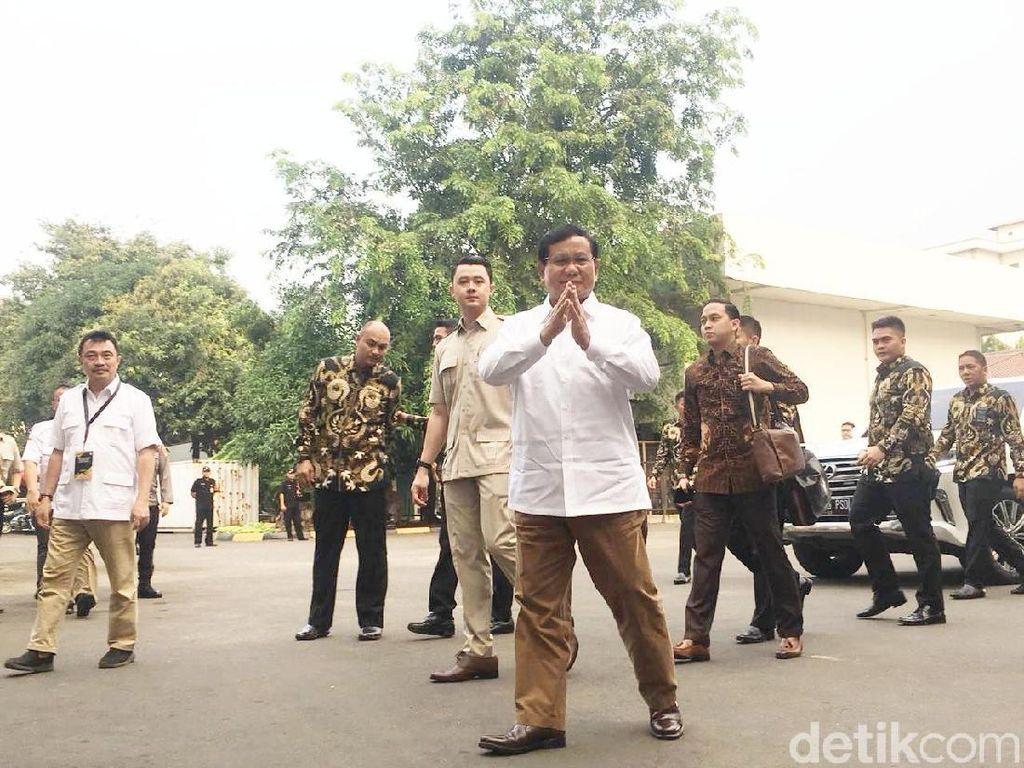 Prabowo Tiba di RSPAD untuk Tes Kesehatan Pilpres 2019