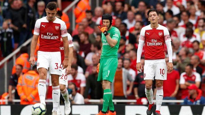Penampilan Petr Cech saat Arsenal dikalahkan Manchester City 0-2 akhir pekan lalu dikritik. (Foto: Reuters/John Sibley)
