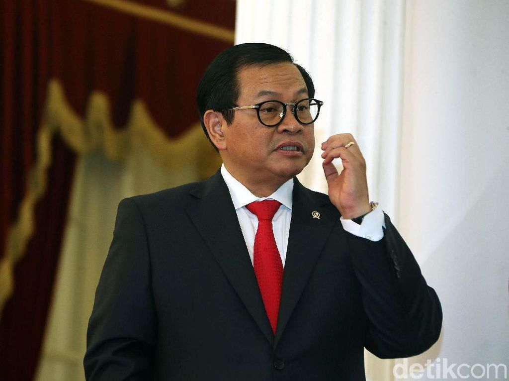 Istana: Soetrisno Bachir Tak Ada di Struktur PAN, Dukung Jokowi