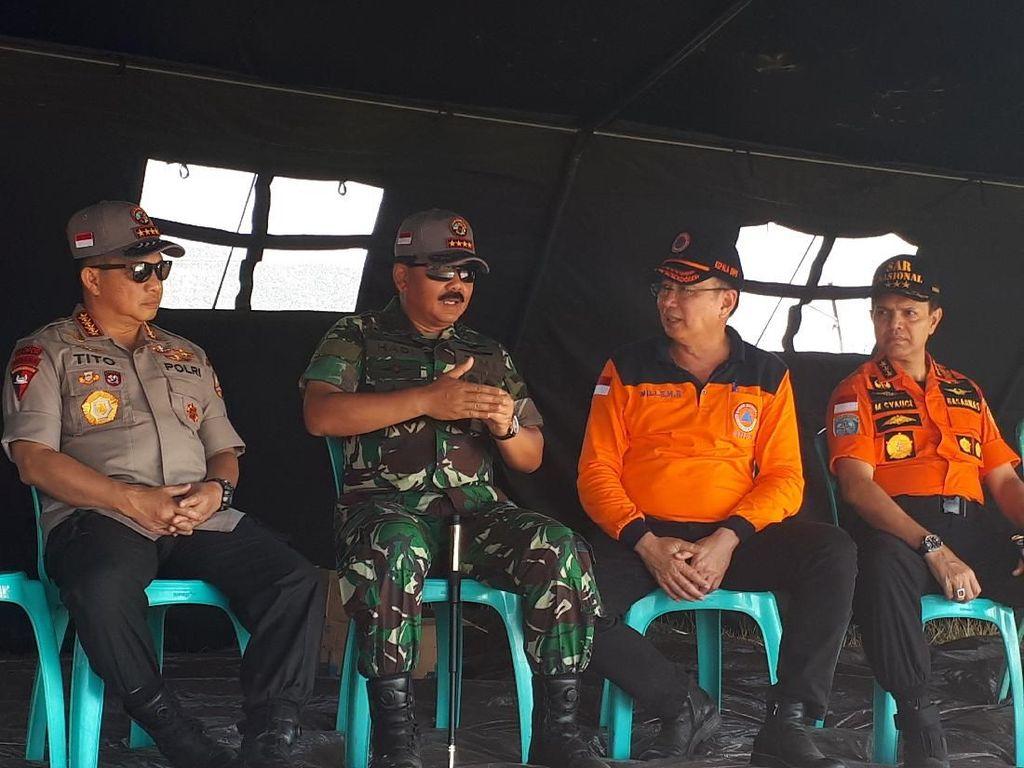 Kapolri Kunjungi Korban Gempa di Lombok Utara