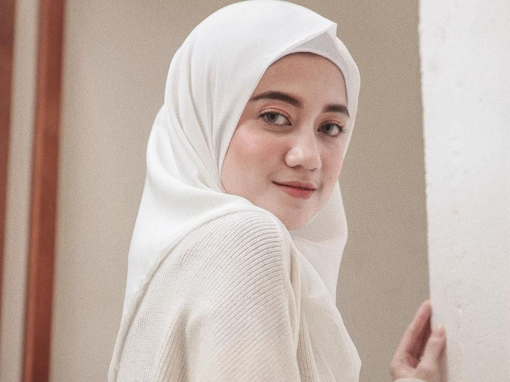 Foto: Anggunnya Shindy, Mantan Personel Girlband Princess yang Berhijab