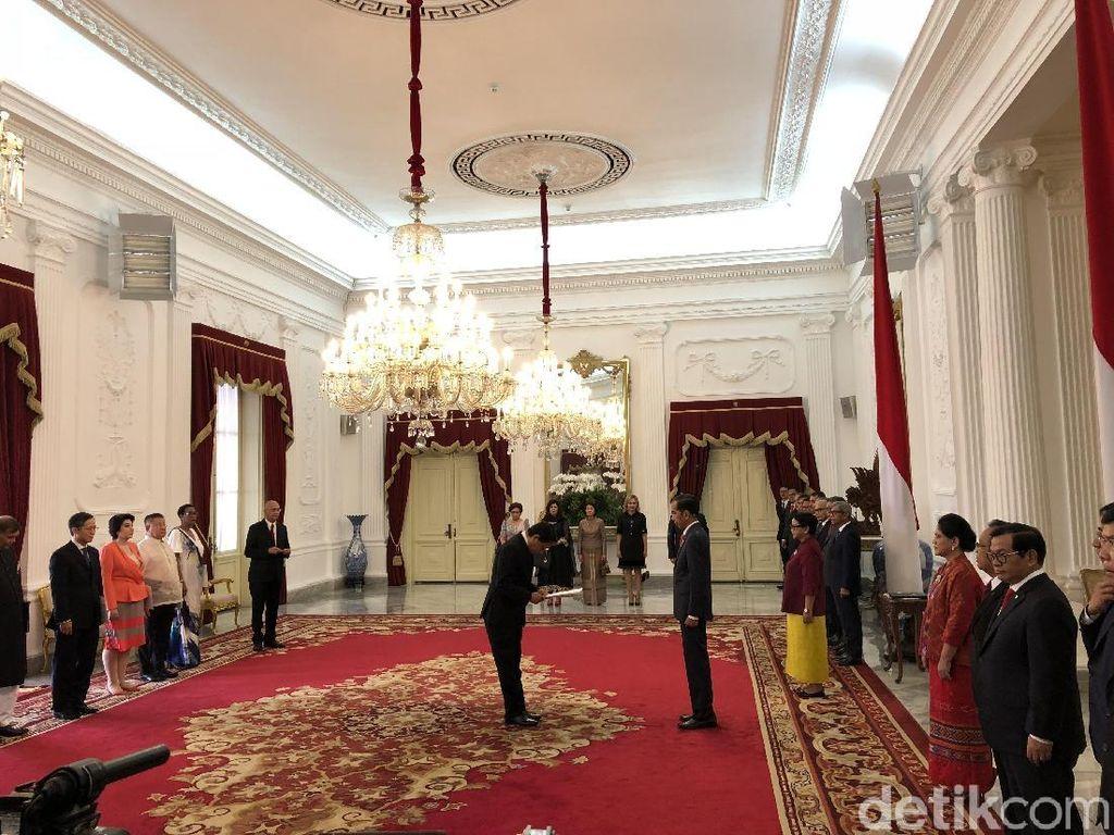 Jokowi Terima Surat Tugas 8 Dubes Baru Negara Sahabat