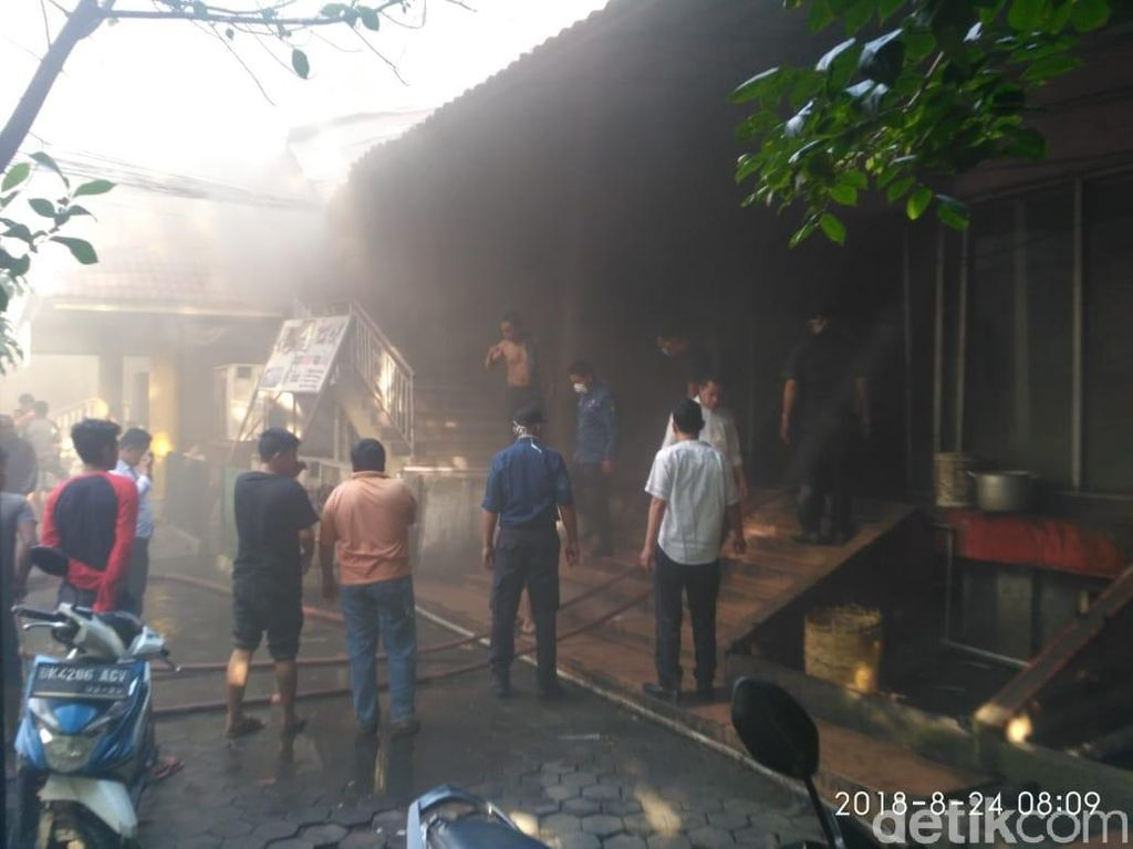Pasar Petisah Medan Terbakar
