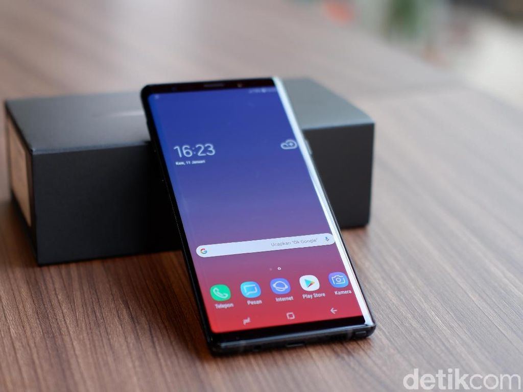 Unboxing Samsung Galaxy Note 9 di Indonesia
