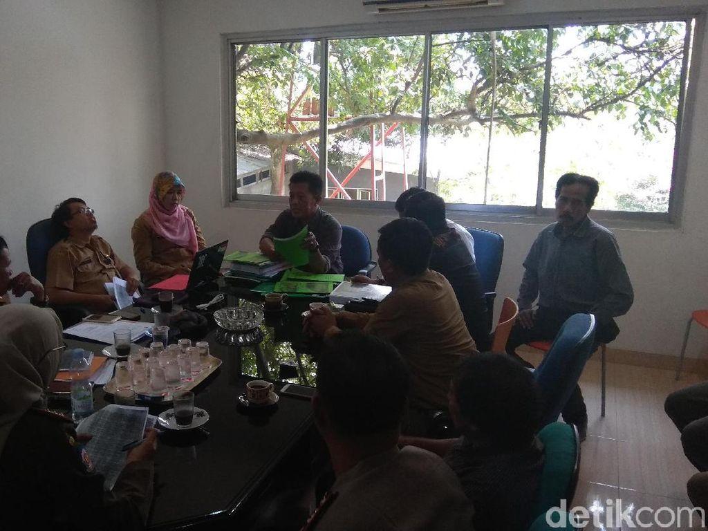 Respons Penambang Gunung di Karawang yang Ditutup Satpol PP