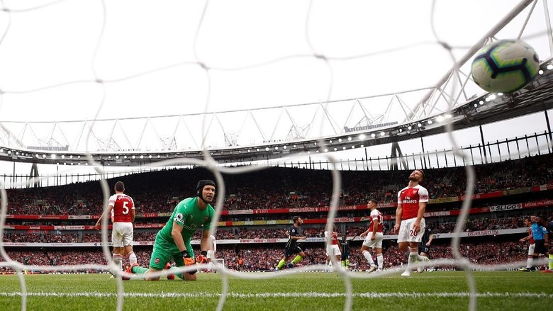 Cech pada Fans Arsenal: Beri Emery Waktu
