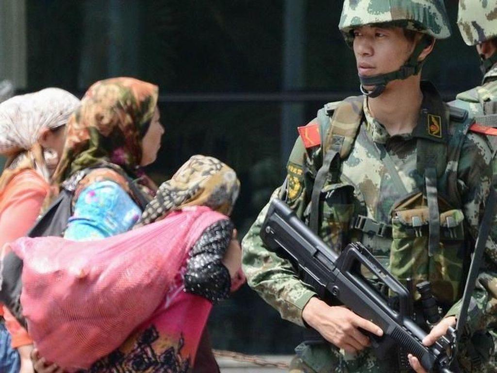 Sejuta Warga Uighur Berada dalam Kamp Tahanan Rahasia di China