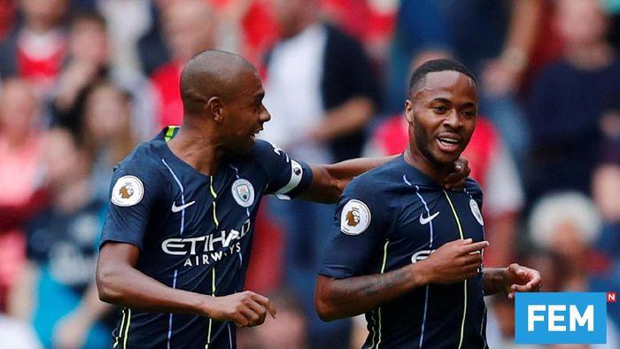 Pemain Manchester City, Raheem Sterling dan Fernandinho. (Foto: Eddie Keogh/Reuters)