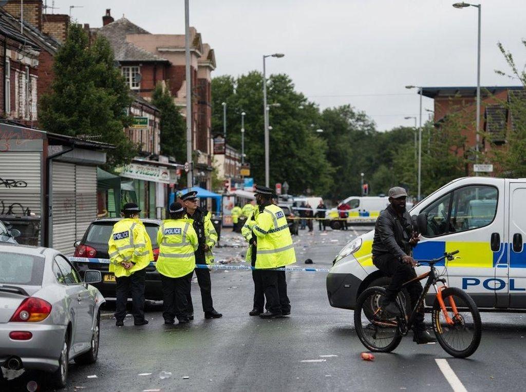 Penembakan di Manchester, 10 Orang Terluka