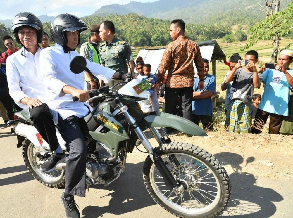 TInjau Gempa, Jokowi Dibonceng TGB