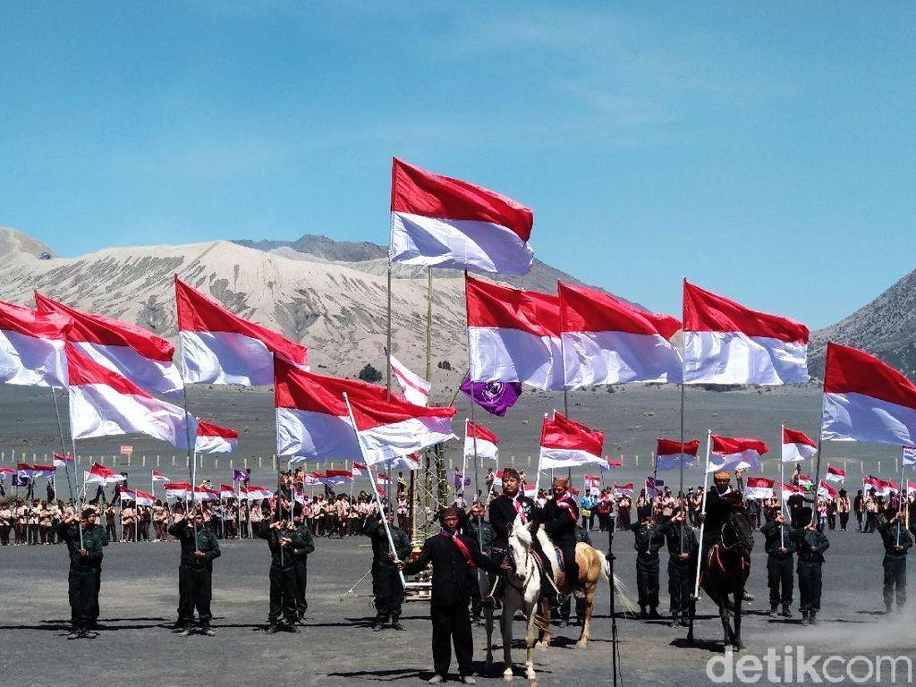 2018 Bendera Merah Putih di Lautan Pasir Gunung Bromo