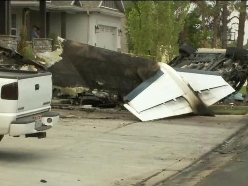 Pria AS Tewas Usai Hantamkan Pesawat ke Rumahnya
